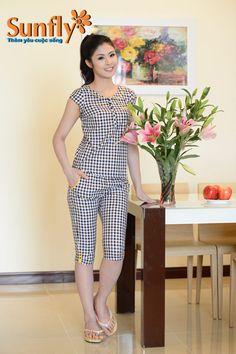 Night Suit For Women, Girls Short Dresses, Kids Dress Patterns, Lehnga Dress, Pajama Outfits, Choli Designs, Dress Neck Designs, Cute Blouses, Pajamas Women