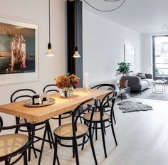 Black Bentwood chairs | #retrostyle