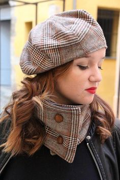 Get Short Hair Without A Haircut : French Beret Fancy Hats, Cool Hats, Tweed Run, Hat And Scarf Sets, Tartan Scarf, Diy Mask, Bandeau, Beret, Scarf Styles