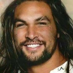Love,his smile is so sexy!