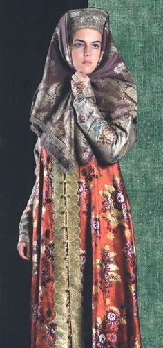 Russian traditional costume from Northern provinces, 19th century.