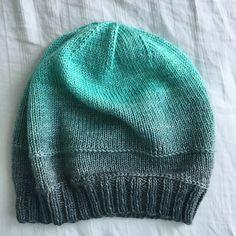 Beanie Knitting Patterns Free, Beanie Pattern Free, Easy Knitting, Knit Patterns, Free Pattern, Easy Knit Hat, Knitted Hats, Knitting Accessories, Sock Yarn