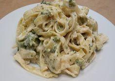 Paste cu broccoli, branza si caju Broccoli, Past, Spaghetti, Ethnic Recipes, Food, Past Tense, Essen, Meals, Yemek