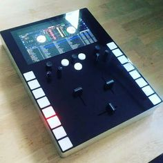 Thud rumble intel invader mixer by DJ Qbert-Prototype.