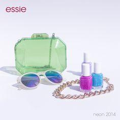 Una #essiegirl siempre está al tanto de las tendencias. ¡Lúcelas en tus uñas!