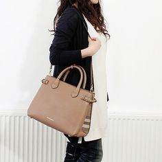 ChelseaGardensUK | Rakuten Global Market: Burberry BURBERRY bag ladies 2-WAY handbag dark sand beige MD BANNER 3958981 HHL:COCA 2670T DARK SAND