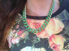 #outfiidea #ootd #girl #fashionblog #fashionblogger #style #fashion #felpe #sweatshirt #roses #cat #necklace #colors #xmasoutif #fashion #streetstyle  @Telli Collection Milano #ootd, idea outfit inverno per la sera felpa leggings, fashion blogger  felpe stampate gatti rose, made in italy, amanda marzolini the fashi...
