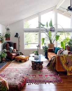 30 Best Sofas to Give Statement for Your Bohemian Home Style - Bohemian Home Living Room Bohemian Bedroom Design, Bohemian Interior Design, Bohemian Room, Bohemian Decor, Bohemian House, Bohemian Living, Modern Bohemian, Style At Home, Houses Architecture