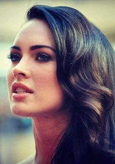 not a megan fox fan but her hair and brows look amazing here Beautiful Celebrities, Gorgeous Women, Two And Half Men, Pastel Purple Hair, Purple Dress, Megan Denise Fox, Coloured Hair, Woman Face, Sensual