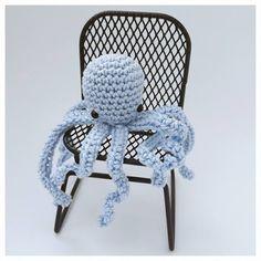 Studio Bees and Appletrees: MINI OCTOPUS HAAKPATROON - MINI OCTOPUS CROCHETPATTERN FREE Crochet Mask, Free Studio, Vintage Crochet, Wicker, Crochet Patterns, Diy Crafts, Mini, Creative, Aquarium