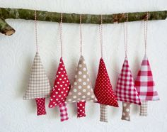 Set of 6 fabric christmas ornaments in the colours red, ecru and white…