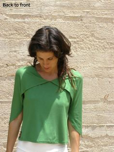 Convertible top or 3 ways to wear your summer top in spring green