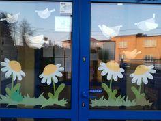 Classroom Wall Decor, Classroom Walls, Spring Window Display, Spring Crafts, Flocking, Diy For Kids, Easter, Jar, Windows