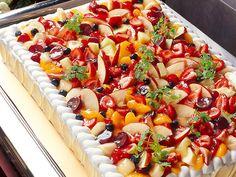 http://www.rc-fukuoka.com/img/cuisine/desserts/img02.jpg