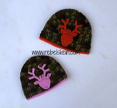 Hello out there in crochet land! I've revised my Deer Head Applique pattern. Crochet Deer, Crochet Beanie, Cute Crochet, Crochet Motif, Crochet Crafts, Knit Crochet, Crochet Appliques, Crocheted Hats, Knitted Dolls