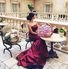 Beautiful Italian dress and atmosphere *. Pretty Flower Girl Dresses, Beautiful Dresses, Bridal Looks, Bridal Style, Girls Run The World, Black Magic Woman, Dress Images, Evening Gowns, Wedding Gowns