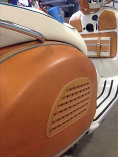 Custom made, the new one! Leather cover for Vespa gets  Hand Made - Made in Italy  info@bottegaconticelli.it