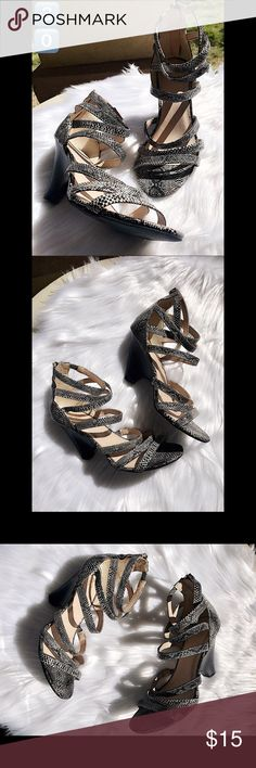 """New York & Company snakeskin heels 4"""" heels. NWOB.  NO TRADES 🙅🏻 ALL REASONABLE OFFERS ARE ACCEPTED 😊👍🏽 NO LOWBALLERS!!! 😒✌🏽️✌🏽 LET'S BUNDLE!!!! 🎋🎉🎁🎊🎈 New York & Company Shoes Heels"""