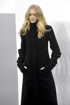 Chanel - Fall 2009 Ready-to-Wear Collection