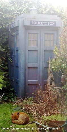 Type 40 shed, Tardis shed from greenwich | Readersheds.co.uk... do you suppose the crooks take heed of the sign?