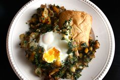 This looks amazing!  It's a lot like my go-to breakfast but with potatoes.