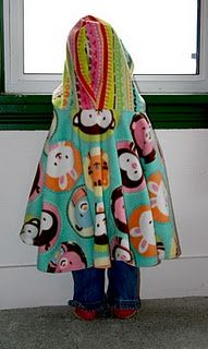 Fleece poncho tutorial. I really want to make something like this for the girls