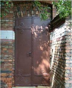brown doors @ Koneser