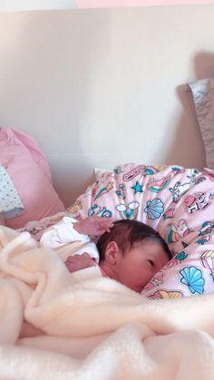 Super Bunda × tk - My Website 2020 Cute Asian Babies, Korean Babies, Cute Babies, Cute Little Baby, Baby Kind, Cute Baby Girl, Newborn Baby Photos, Baby Boy Newborn, Baby Doll Nursery