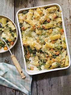 Ricardo's recipe: Squash and Leek Rigatoni au Gratin Leek Recipes, Yummy Pasta Recipes, Veggie Recipes, Vegetarian Recipes, Cooking Recipes, Healthy Recipes, Rigatoni Recipes, Ricardo Recipe, Confort Food