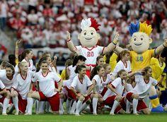 Las mascotas oficiales del a UEFA EURO - Ingrid Irribarren.