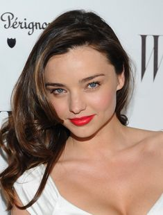 No one pulls off a red lip quite like Miranda Kerr. Loooove it.