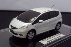 "HONDA FIT RS OFFICIAL 1:24 PREMIUM WHITE PEARL ""NOT FOR SALE"" Dealer Color SAMPLE"