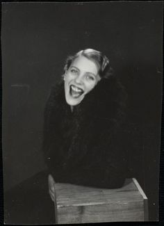 Centre Pompidou Virtuel - Lee Miller (éclatant de rire) by Man Ray