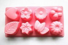 Essential oil shower steamers and melts-- No time for baths, but love the aromatherapy benefits of bath bombs? Try shower melts! 15+ ideas for essential oil blends to use in shower steamers (1) to wake up & feel energized, (2) to calm and relax,(3) to upliftand (4) to support clear breathing.