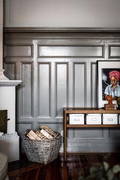 Holzvertäfelung Grau Klassisch Traditionell Konsole Holz Wohnen Einrichten  Dekorieren Interior Design Wohinspiration Innenarchitektur Wohnideen  Interieur