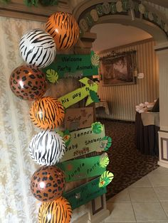 This kind of photo is definitely an inspiring and outstanding idea – Baby Shower İdeas 2020 Baby Shower Signs, Baby Shower Fun, Baby Shower Themes, Jungle Baby Showers, Safari Theme Baby Shower, Safari Theme Birthday, Jungle Theme Parties, Jungle Party, 2nd Birthday