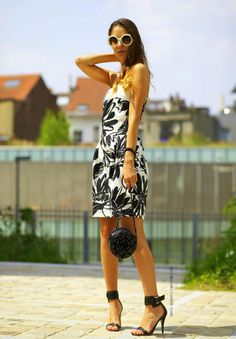 blk/white sundress luv New Trends, Latest Trends, White Sundress, Calvin Klein, Black And White, Stylish, Simple, My Style, Womens Fashion