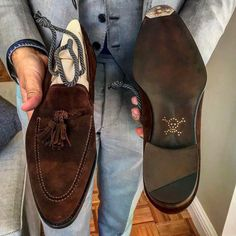 """frecciabestetti: """"Delivering Novecento Line tassel loafer to a happy friend of ours! Thank you Geoffrey for your support. www.theblossomavenue4freccia.com #bestetti #bestettishoes #shoesporn #saphir..."""
