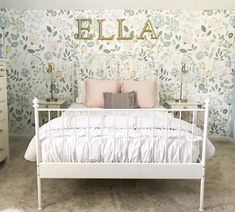Teen girl bedrooms, visit the this suggestion for a surprising simple room styling, example number 6584753300 Simple Girls Bedroom, Little Girl Bedrooms, Big Bedrooms, Girls Bedroom Wallpaper, Girls Room Design, Daughters Room, Girl Decor, My New Room, Bedroom Decor