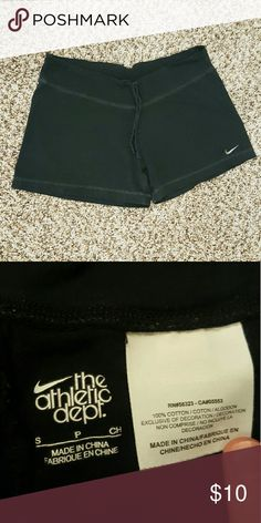 NIKE shorts <> Small 100% cotton  Nike brand shorts Women's size small In excellent condition. Drawstrings waist. Looser fit. Could fit a Medium as well. Nike Shorts