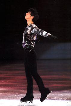 Yuzuru Hanyu performing White Legend at Sochi 2014