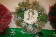 Christmas Snowflake wreath green & gold