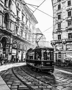 Turín escenográfica. Il tram, el tranvía.