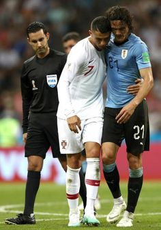 Cristiano Ronaldo of Portugal helps Edinson Cavani of Uruguay off the pitch after he gets injured during the 2018 FIFA World Cup Russia Round of World Cup Russia 2018, Cristiano Ronaldo Cr7, Football Wallpaper, Fifa World Cup, Football Players, Sporty, Running, Workout, Mats Hummels