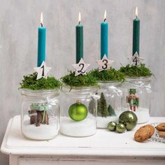 Adventsdeko selber machen: Anleitung Homemade advent wreath made of mason jars Christmas Family Feud, Christmas Time, Xmas, Christmas Crafts, Christmas Fabric, Easter Crafts, Christmas Stockings, Crafts For Teens To Make, Fall Crafts For Kids