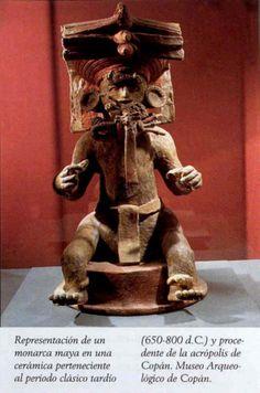 Monarca maya,ceramica del periodo clasico (650-800 DC)  Hallado en la Acropolis de Copan  Museo Arqueologico de Copan  Guatemala