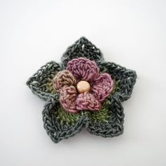 Crochet Me Lovely - How to Crochet a Flower: Free Crochet Pattern