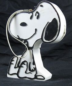 Vintage Peanuts Snoopy AM Novelty Transistor Radio...had one and loved it