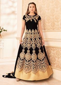 Check out the latest Wedding Wear Abaya Style Suits & Salwar Kameez at Utsav Fashion. Choose from a wide range of Wedding Wear Abaya Style Suits in trendy styles & gorgeous fabrics. ✓Latest Designs ✓Shop Now Robe Anarkali, Costumes Anarkali, Black Anarkali, Anarkali Suits, Lehenga Choli, Anarkali Churidar, Designer Anarkali, Designer Salwar Suits, Bollywood Suits