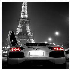 Wow! Lamborghini Aventador + Eiffel Tower = Perfect